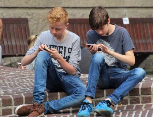 89% das crianças e dos adolescentes brasileiros são usuários de Internet