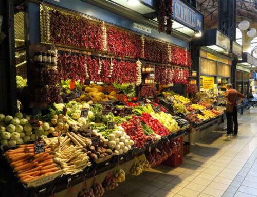 Apesar da perda de renda, brasileiro eleva gastos com alimentos