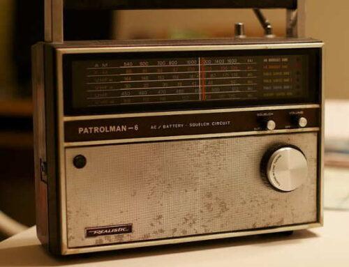 Brasileiros passaram a ouvir mais rádio na pandemia e consumo pela internet deu salto expressivo