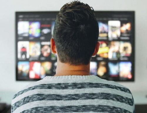 Menos pessoas assistem à TV ao vivo, mas nem todas migram ao streaming