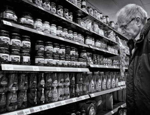 Idosos fizeram mais compras online na pandemia, segundo estudo