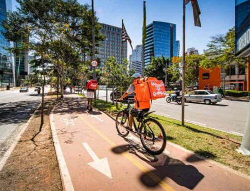 Aumentam gastos e caem reclamações: veja deliveries preferidos no Brasil
